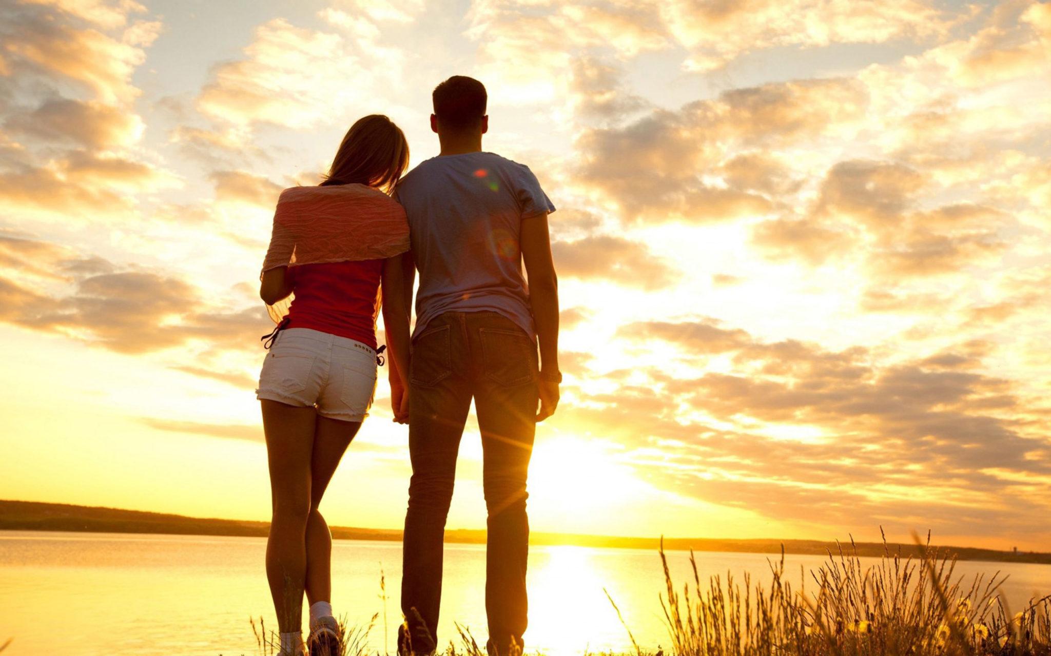 coupleback1